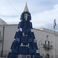 L'Albero blu in Piazza Catuma è una meraviglia anche di giorno
