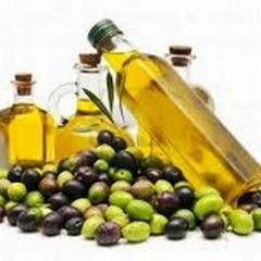 Crolla il prezzo delle nostre olive mentre i magazzini sono pieni di olio estero