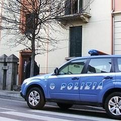 Un autocarro ed un carrello elevatore: tre arresti della Polizia