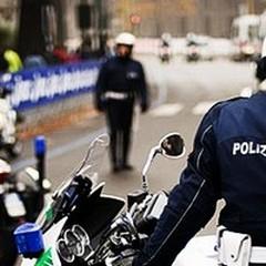 Provano il furto di una Hyundai: messi in fuga dai Vigili Urbani