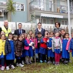 A scuola... di verde: si è tenuta ieri l'iniziativa di Fareambiente