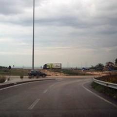 Tangenziale dissestata: «Strada insicura e pericolosa»