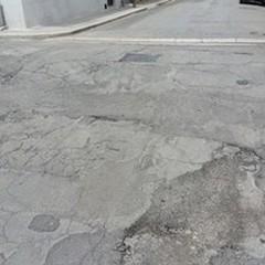 Via Giambattista Pergolesi: strada dissestata da diversi anni