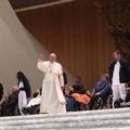 Il Papa benedice i malati della Rsa Madonna della Pace di Andria