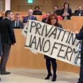 Il M5S protesta contro la Regione: «L'Acqua è pubblica e non si tocca!»