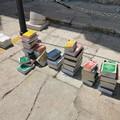 «Ripartono tutti tranne i Tribunali», flash mob degli avvocati a Trani