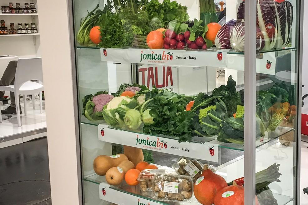 Coldiretti, bene il consumo di vaschette di frutta e verdura