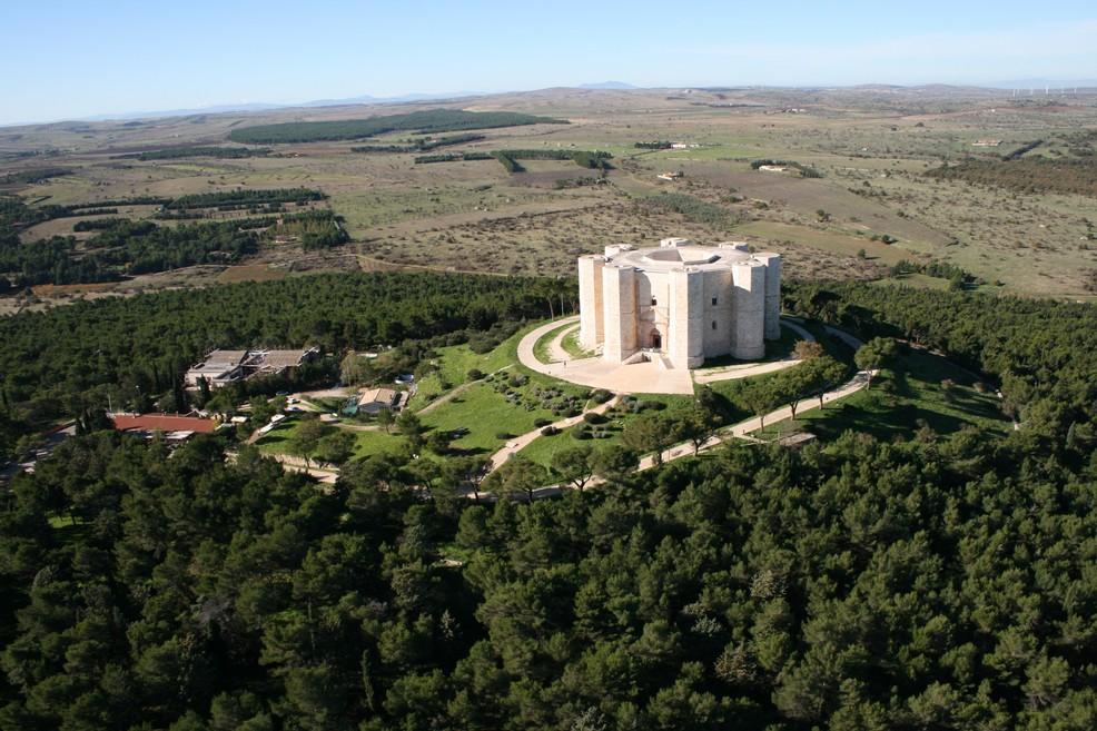 Castel del Monte dall'alto