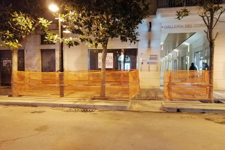 marciapiedi sconnessi su corso Cavour