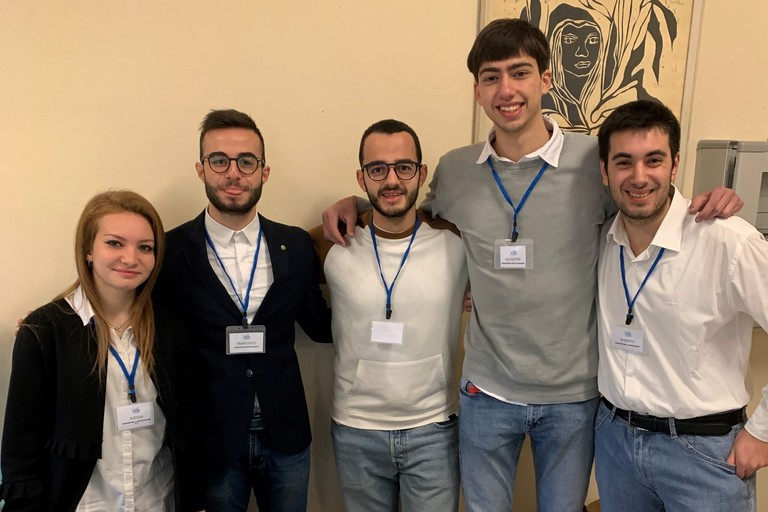 I cinque studenti dell'ITIS