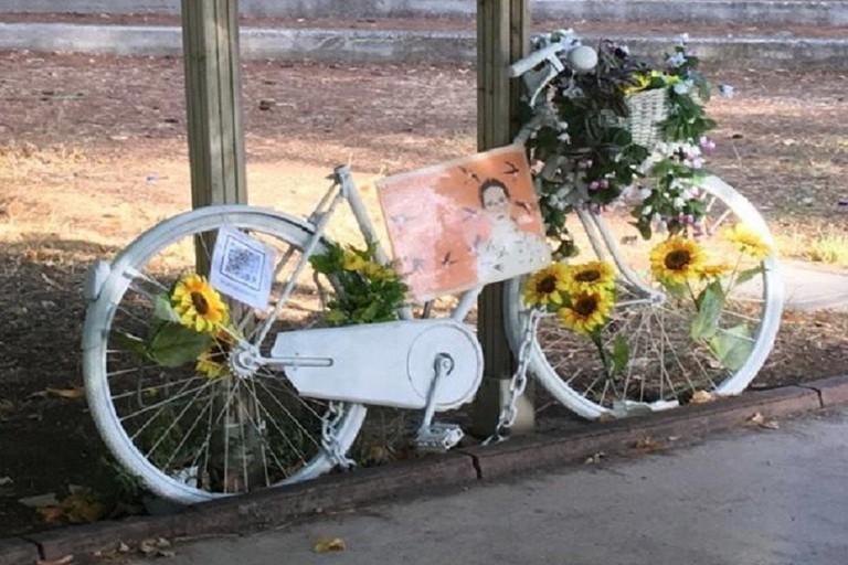 rubata la sella della bici che ricordava Patrizia Paradiso