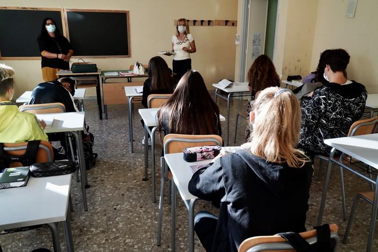 Bollettino Coronavirus, picco dei contagi in Puglia: 315 casi positivi, 28 nella Bat. Due i decessi. Lopalco: «Significativo aumento di circolazione virale»