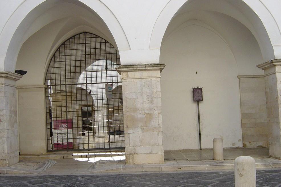 chiostro San Francesco (Foto Vincenzo Cassano)