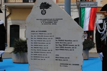 Stele in ricordo Martiti di Nassiriya