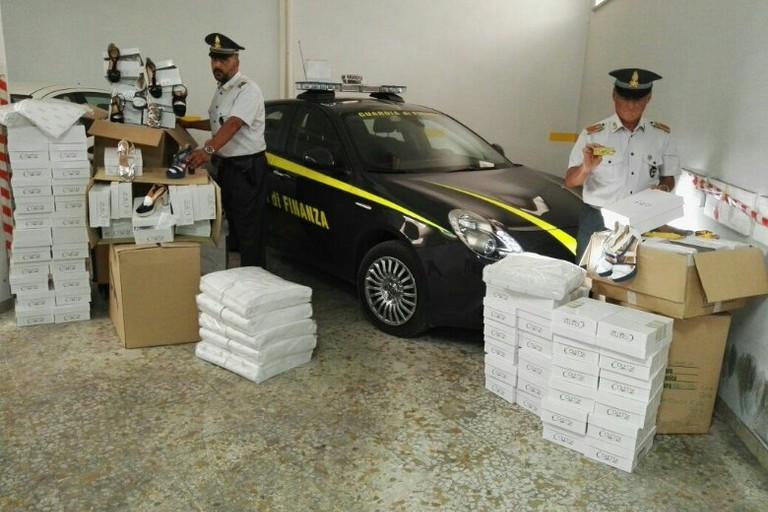 Finanza Compagnia di Andria, scoperti capi contraffatti