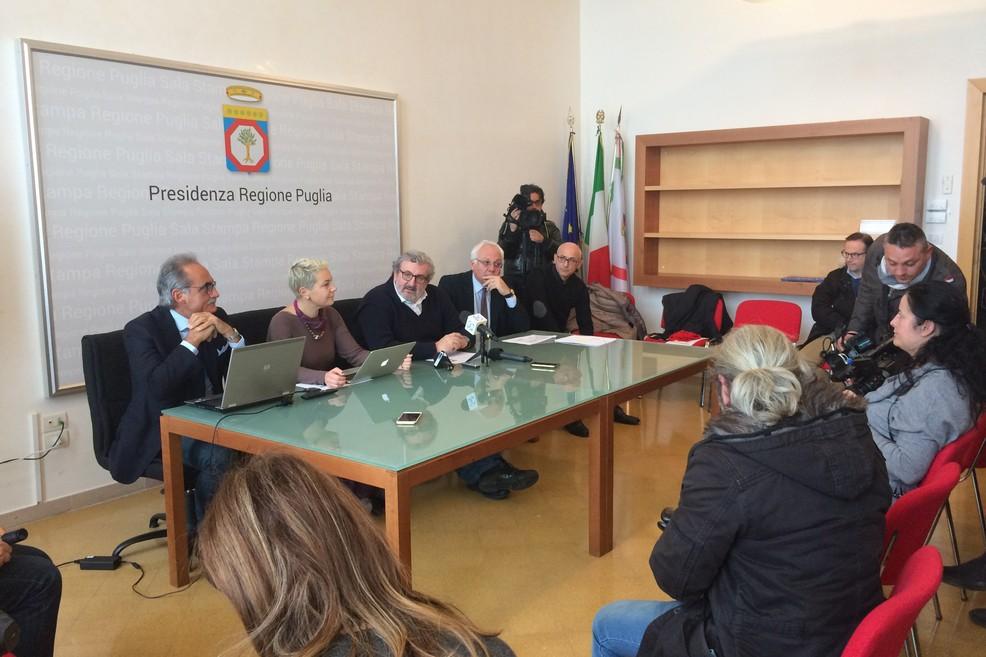 Regione, conferenza stampa Emiliano vaccini