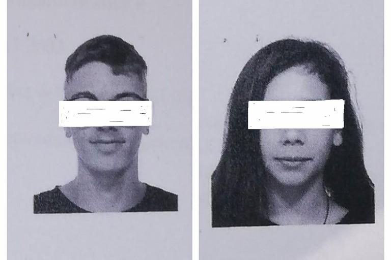 le foto dei due minori allontanati