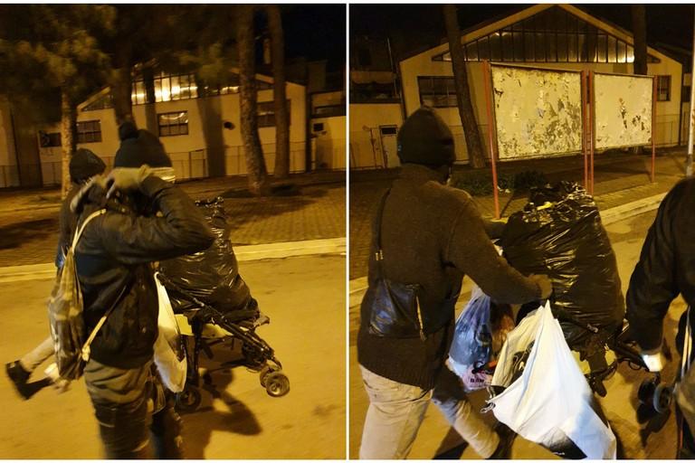 furto di vestiti usati dai cassonetti situati per strada