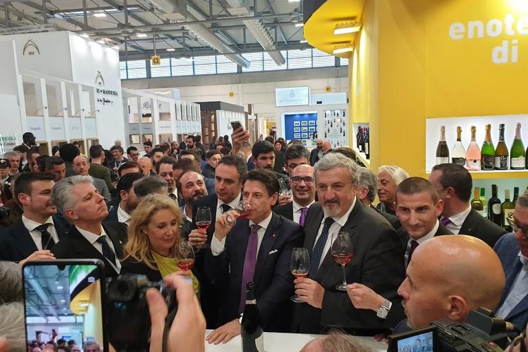 Il Presidente Conte con Michele Emiliano