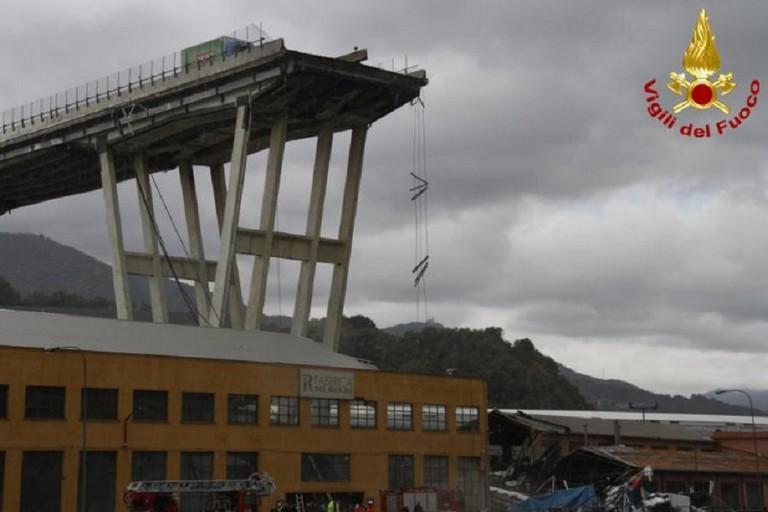 Genova, crollo del ponte Morandi. <span>Foto Vigili del Fuoco</span>