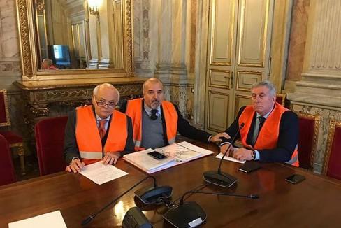 rappresentanti dei gilet arancioni