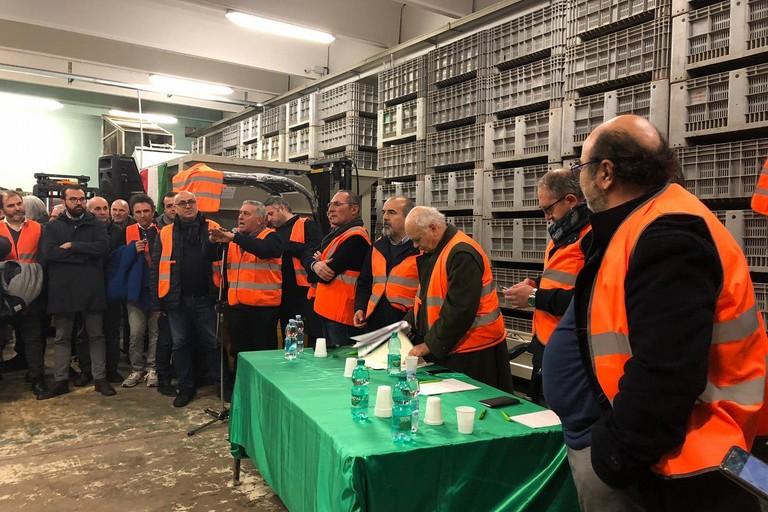Gilet arancioni in assemblea a Ruvo di Puglia