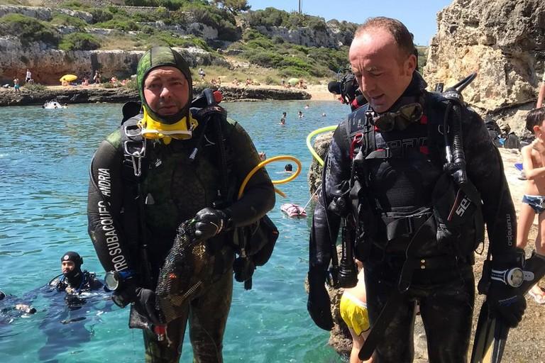 Il Centro Subacqueo di Andria raccoglie rifiuti dal fondale marino
