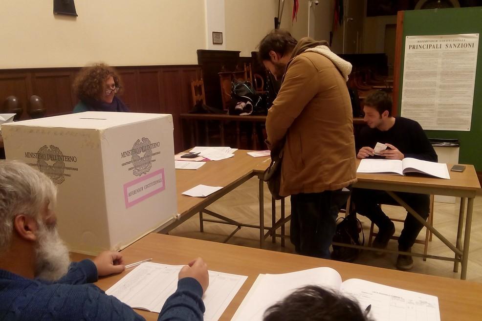 """Berlusconi a Bari: """"Manca poco al voto"""""""