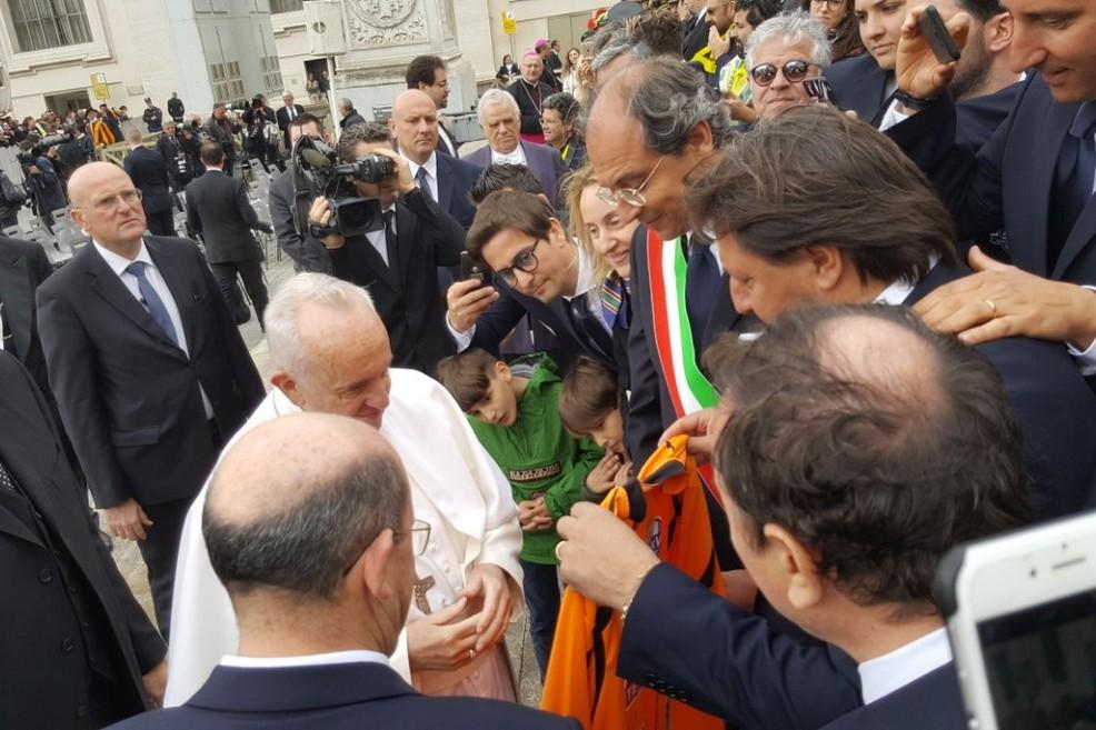 Papa Francesco in visita a Palidoro ieri