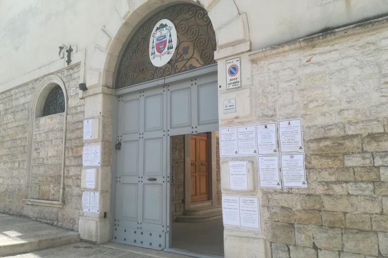 Andria, trovato morto il vescovo emerito Raffaele Calabro