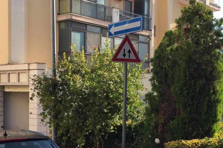 """Circolazione stradale ed i dubbi """"amletici"""" di via delle Querce"""