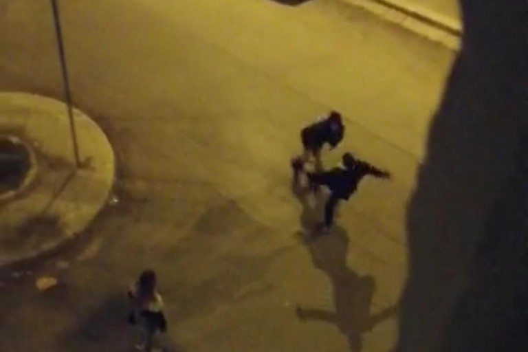 Una scena del video