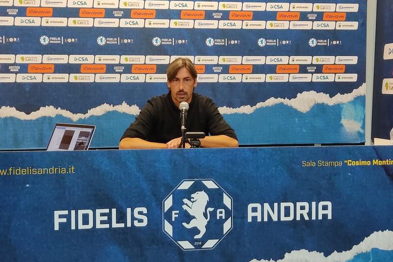 Luigi Panarelli, allenatore Fidelis Andria. <span>Foto Antonio D'Oria</span>