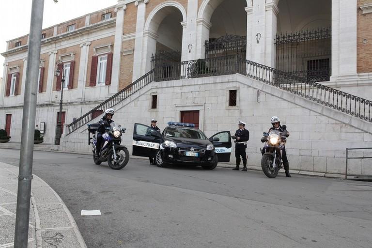 """Aggressione De Robertis, CISL Bari: """"Esemplare comportamento della Polizia locale"""""""