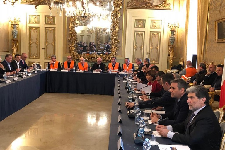 gilet arancioni agricoltori incontrano ministro Centinaio