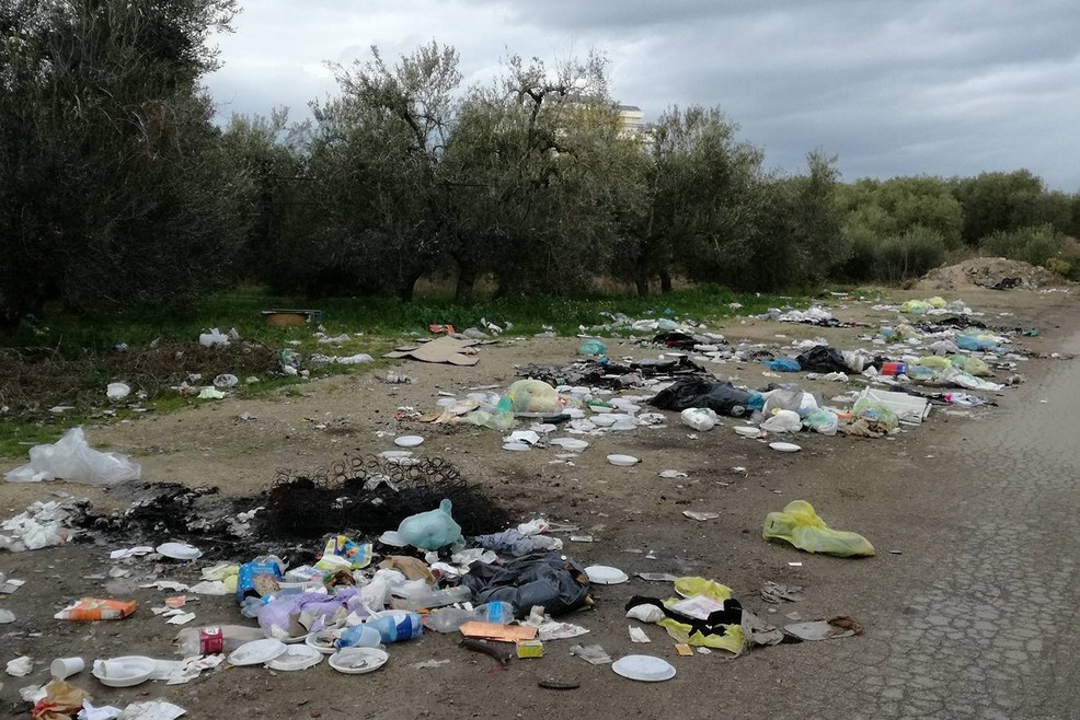 Immondizia via Lagnone Santa Croce