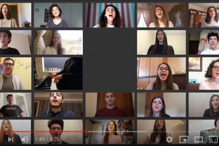 LAccademia Musicale Federiciana canta Il mio canto libero di Battisti JPG