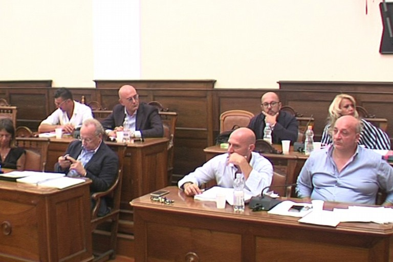 Consiglio comunale banchi della maggioranza