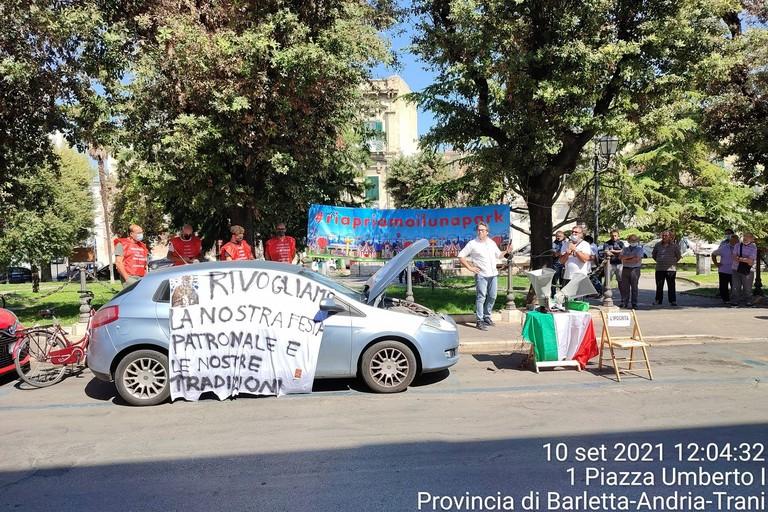 Manifestazione a Palazzo di città di Casambulanti