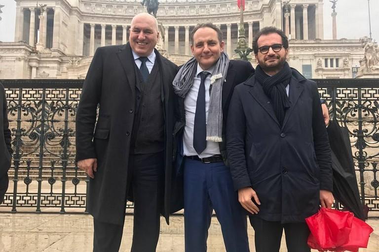 Elezioni, Meloni lancia 'no inciucio' ma Berlusconi e Salvini danno forfait
