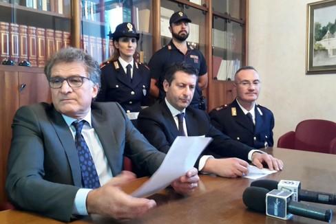 """Andria, operazione  """"Le Grotte """" della Polizia di Stato"""