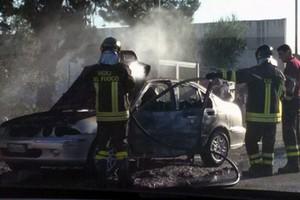 Auto in fiamme Andria - Bisceglie