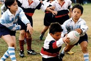 Bambini praticano sport