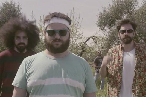 Ex-Otago - Ci Vuole Molto Coraggio ft. Caparezza