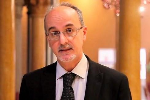 Il prof. Pier Luigi Lopalco spiega i dati contenuti nel bollettino del 22 aprile