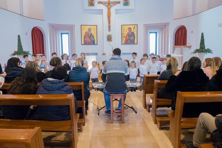 Coro di Natale nella parrocchia  Sant'Andrea Apostolo di Andria. <span>Foto Riccardo Di Pietro</span>