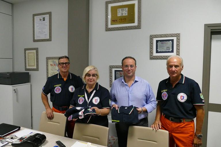 Una maglietta speciale per il Nucleo Volontariato Città di Andria. <span>Foto Riccardo Di Pietro</span>