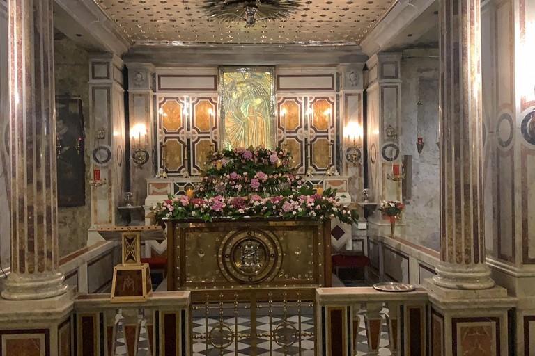 paliotto dell'altare posto ai piedi della Sacra Effige della Madonna dei Miracoli