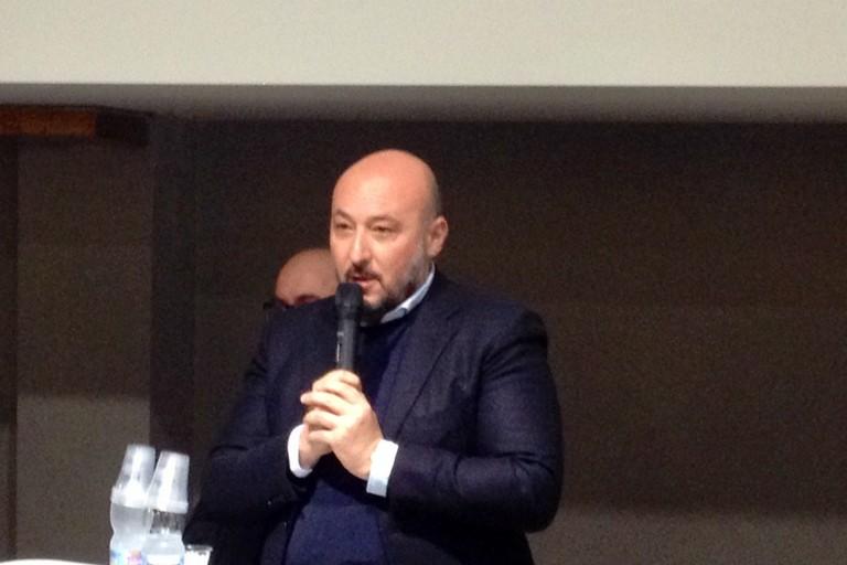 Indagato per corruzione l'assessore regionale Filippo Caracciolo, candidato alla Camera col Pd