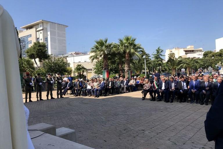 Cerimonia al Monumento dei Caduti